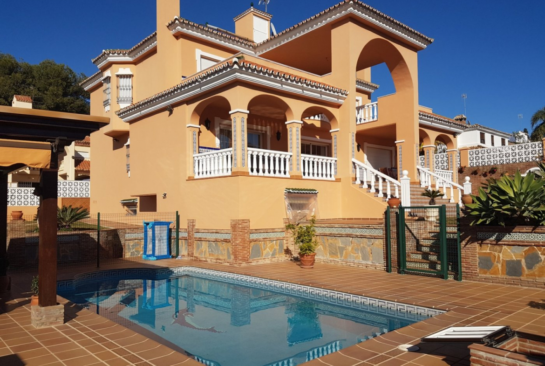 Propiedad gestionada por HOLA! Spain - Casa en ALTA VISTA (San Pedro de Alcantara)